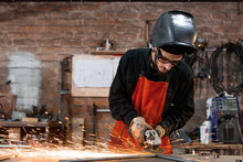 Welder Grinding Iron Details I...