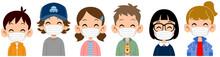 マスクをつけた笑顔の子どもたちの上半身