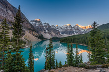 Moraine Lake Is A Glacier Lake In Banff National Park, Canada. It Lies Fourteen Kilometres From The Village Of Lake Louise In The Valley Of The Ten Peaks