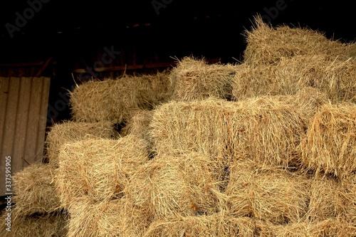 Fotografia Close-up Of Hay Bales In Field
