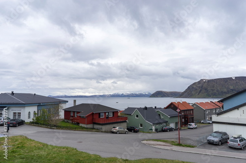 Fototapeta Port of Honningsvag in Finnmark Norway: base for the cruise ships and tourist as starting point for their trip to the North Cape the most northerly point of Europe. obraz na płótnie