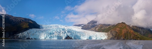 Aialik Glacier panorama on Aialik Bay in Kenai Fjords National Park in Sep Fototapete
