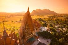 Buddha Statue In Wat Tham Sua ...