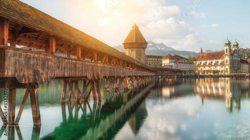 Valokuvatapetti Beautiful historic city center view of Lucerne with famous Chapel Bridge and lak