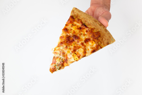 Платно Oven-baked cheese pizza on white background