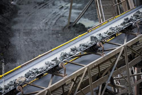 Fotografia belt conveyor stones - mining industry