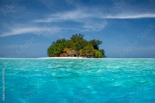 фотография Karimunjawa indonesia java beach coastline rocks. Blue, dream.