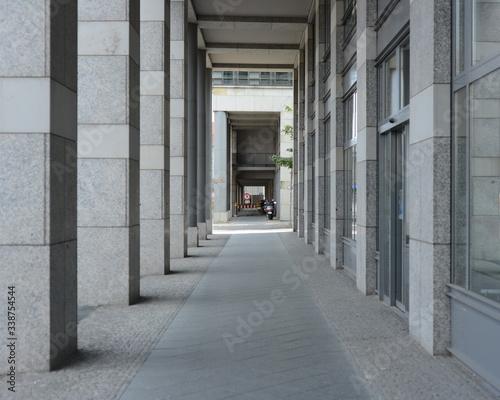 Tablou Canvas Pavement Beside Building