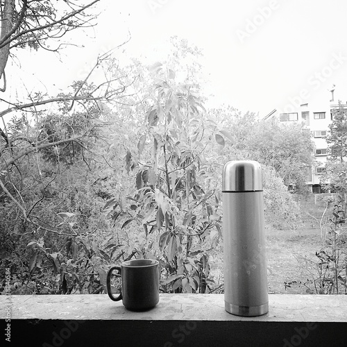 Papel de parede Thermos And Cup In Balcony