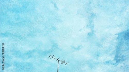 Canvas Print Low Angle View Of Antenna Against The Sky