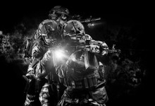 American Soldiers In Combat Am...