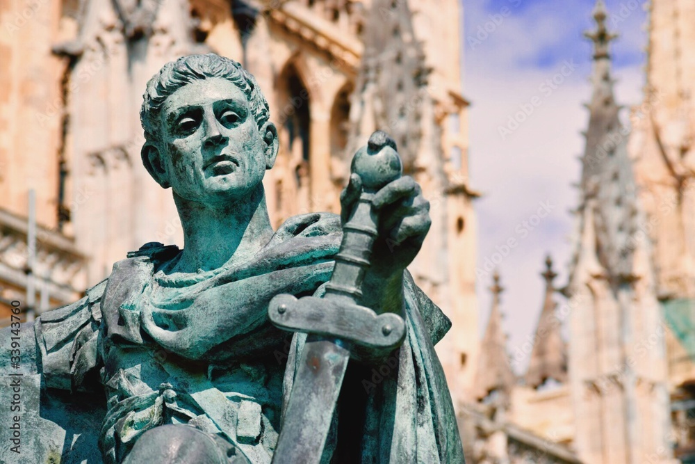 Obraz Statue Of Emperor Constantine Outside Cathedral fototapeta, plakat