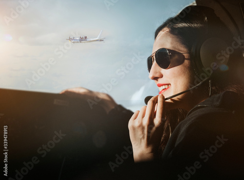 Fototapeta Professional female aviator