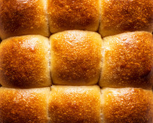 Pull-apart Bread Buns With Tas...