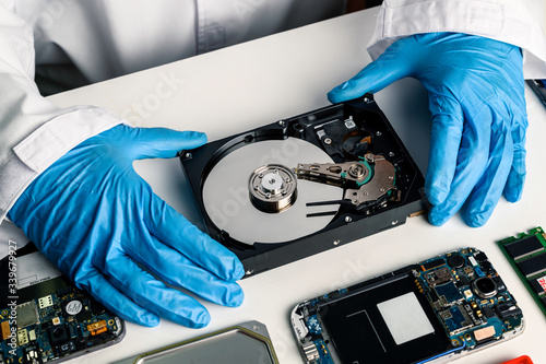 data hard drive backup disc hdd disk restoration restore recovery engineer work Fototapete