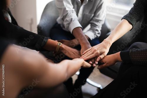Photo Women empowering women