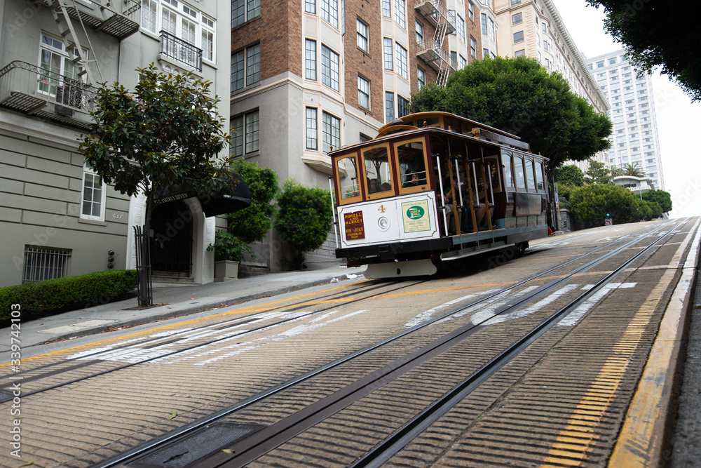 Fototapeta San Francisco - September 17, 2012: Cable Car in San Francisco, California