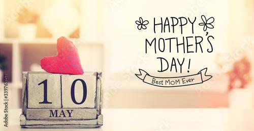 Fotografía 10 May Happy Mohters Day message with wooden block calendar