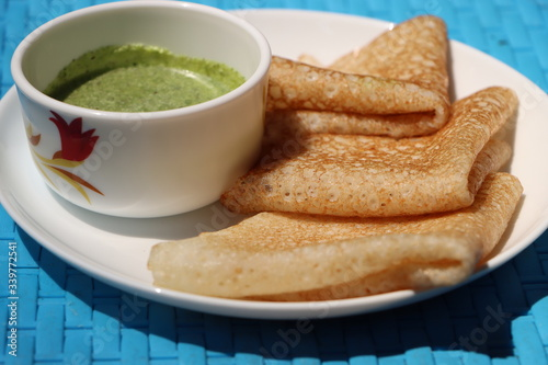 Photo Butter milk Dosa, neer dosa, south Indian food, traditional Maharashtra breakfas