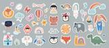 Fototapeta Fototapety na ścianę do pokoju dziecięcego - Kids stickers/badges collection with different cute elements