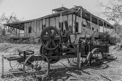 Fototapety, obrazy: Abandoned Machinery By Building