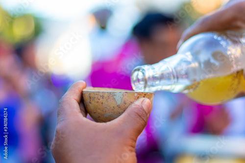 Obraz Shot de mezcal durante carnaval en Oaxaca - fototapety do salonu