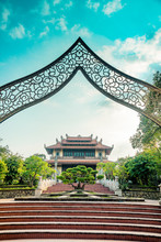 Buu Long Entrance Temple In Ho...