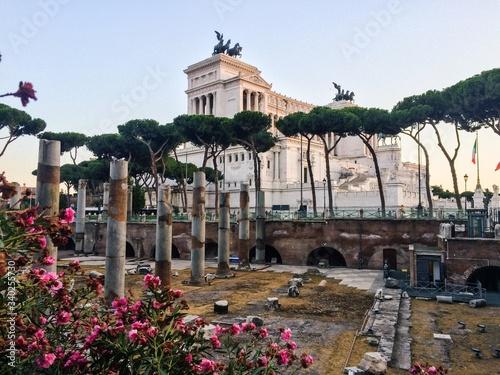 Fototapeta Roman Forum By Altare Della Patria In City