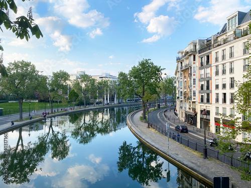 Obraz na plátně Canal Saint-Martin Paris 10