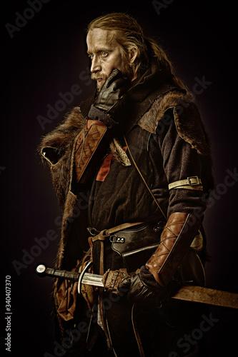 Obraz brave medieval warrior - fototapety do salonu
