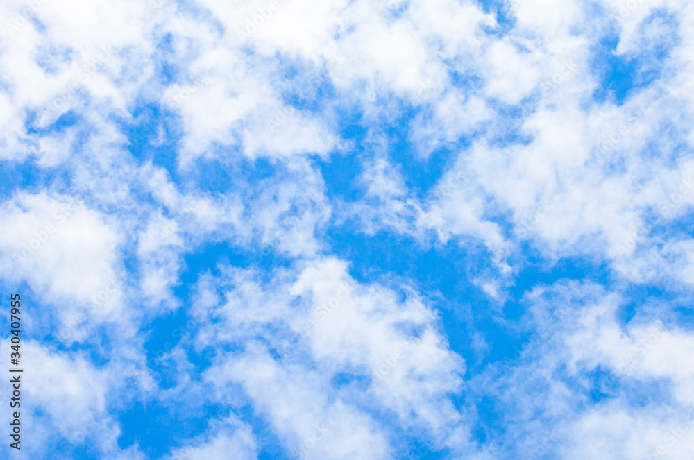Fototapeta błękitne niebo i białe chmury 6
