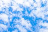 Fototapeta Na sufit - błękitne niebo i białe chmury 6