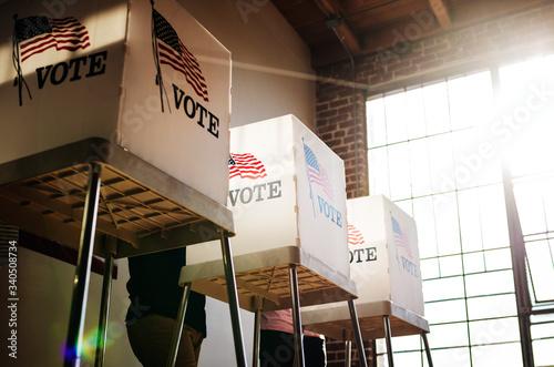 Obraz People voting election poll - fototapety do salonu