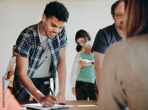 Photo Young man voter at USA election