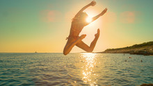 LENS FLARE: Girl Jumps Off A C...