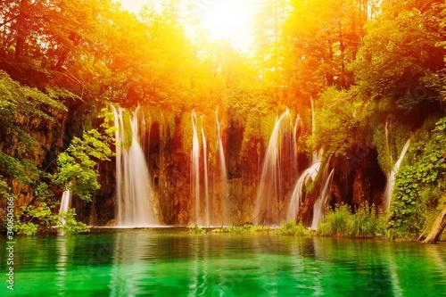 Carta da parati Scenic View Of Waterfall