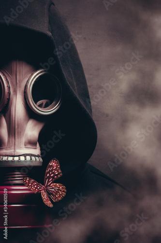 Portrait of a man in a gas mask Fototapeta