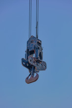 Large 500 Ton Crane Hook Ready For Heavy Lifting