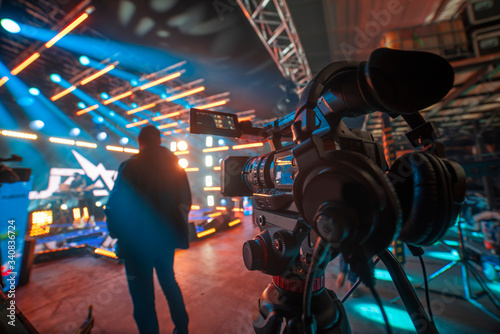 shooting a concert on television Poster Mural XXL