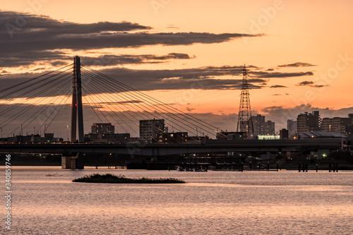 Valokuvatapetti 神奈川県川崎市から見る多摩川と夕焼け1