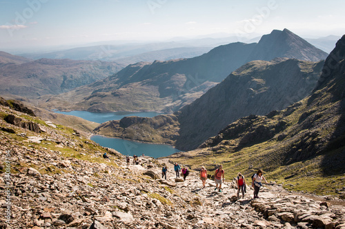 Stampa su Tela People walking up Mount Snowdon in Wales