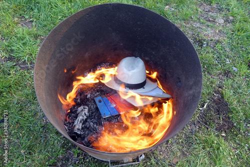 Fototapeta Papierverbrennung