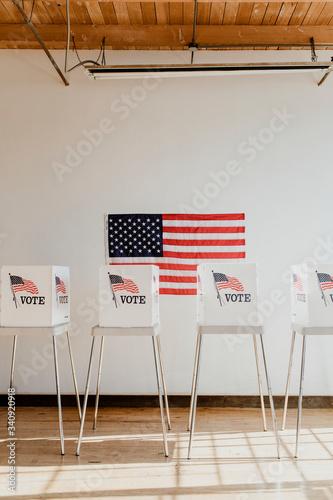 Valokuvatapetti Ameican polling booth