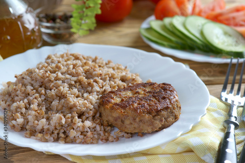cutlet with buckwheat and vegetables - fototapety na wymiar