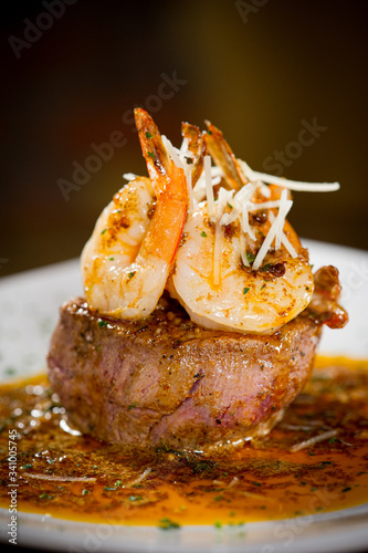 Fotomural Surf and Turf with Shrimp