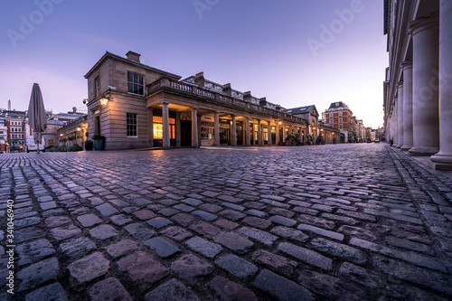 Slika na platnu LONDON, UK - 30 MARCH 2020: Empty streets in Covent Garden, London City Centre d