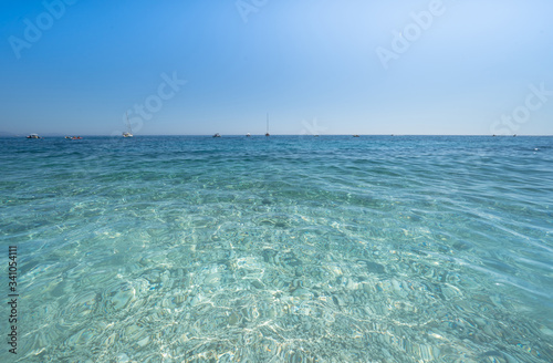Photo Clear azure coloured sea water, Sardinia, Italy
