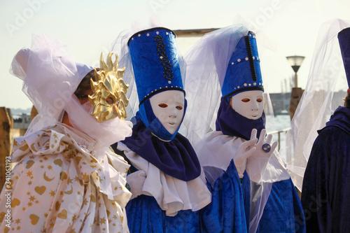 CARNIVAL OF VENICE: costumes of magistrates and the sun. Slika na platnu