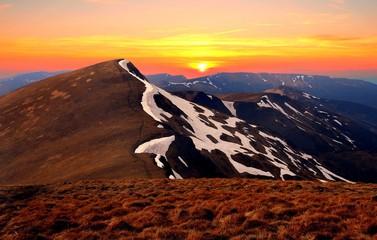 Panel Szklany Góry amazing summer sunrise image, scenic sunrise scenery, attractive morning dawn landscape, beautiful nature background in Carpathian mountains, Ukraine, Europe, Svidovetz range