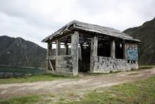 Casa De Madera Vacía Abandona...
